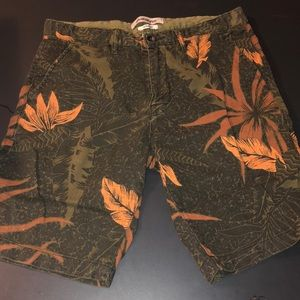 Quiksilver straight sz 30 shorts